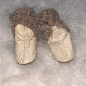 Robeez cream booties